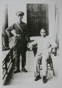 民國13年,國父與當時擔任黃埔軍校校長的蔣中正先生合影